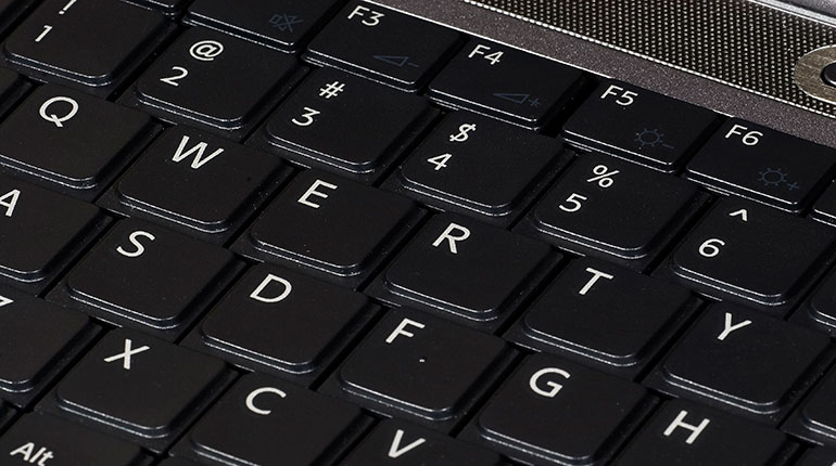 Cómo compartir teclado y mouse en red