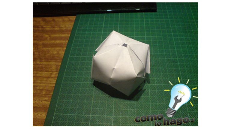 Cómo hacer un cohete de papel