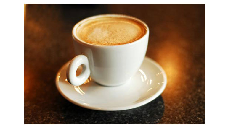 Cómo hacer un café con espuma pero sin espuma
