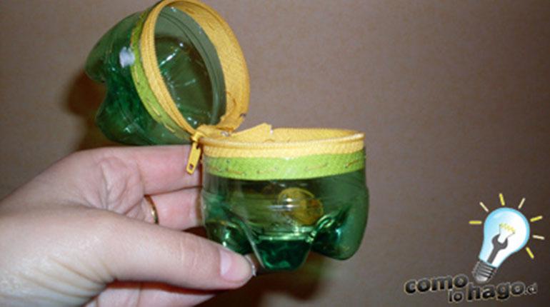 Cómo hacer un monedero de botella