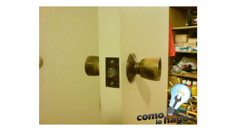 Cómo cambiar la chapa de una puerta