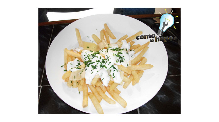 Cómo preparar papas fritas con queso