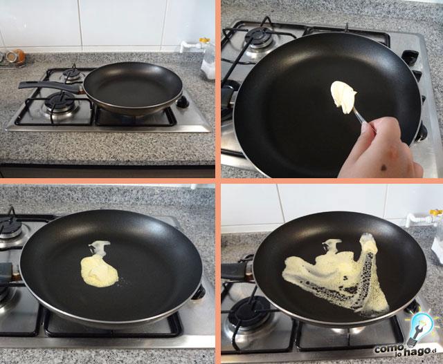 Agregando mantequilla a la sarten - Cómo hacer tostadas francesas
