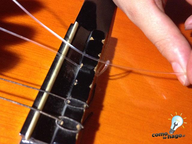 C mo cambiar las cuerdas a una guitarra ac stica taringa - Como colocar la cuerda de una persiana ...