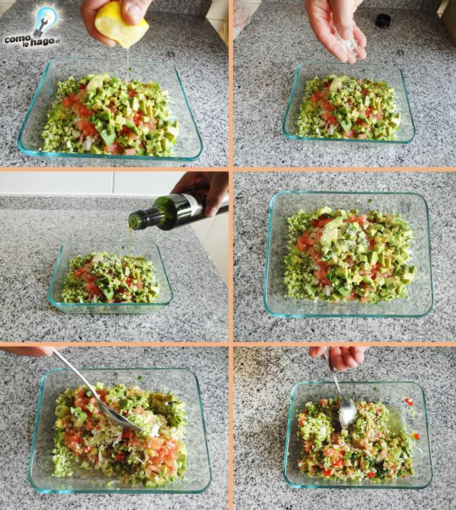 Mezclando y agregando limón - Cómo hacer un pebre de zapallo italiano